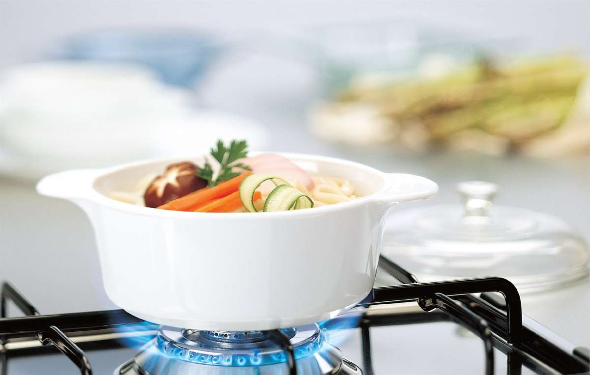 Corelle Rectangle Dish 1.89L White - Bake, Serve & Store