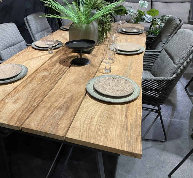 4 Seasons Konos Robusto Table 220x95 Teak Top - Teak / Frost